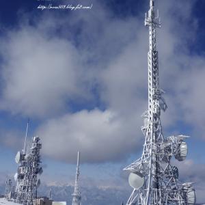 雲上のテレビ塔
