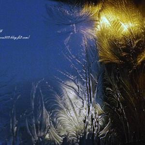 厳冬夜の窓辺