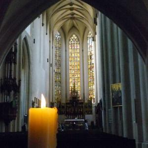 蠟燭灯る聖ヤコブ教会