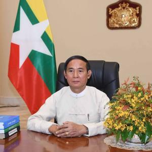 ミャンマー大統領は国軍に政治に干渉しないよう呼びかける