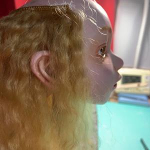 クロスボディ・髪の毛