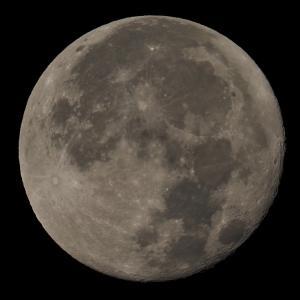 テレコンバーターMC20による満月の解像度の検証