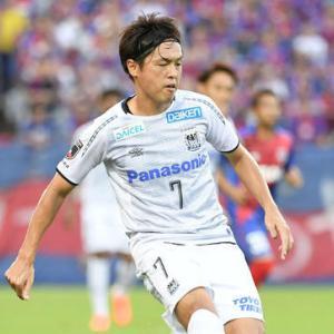 G大阪が遠藤保仁(39)に残留オファー 来季にも楢崎超え 23試合1得点