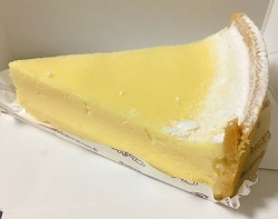 シャトレーゼの濃厚ベイクドチーズケーキ美味しい♪