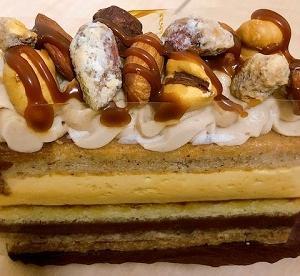 大阪で人気ナンバーワンのケーキ屋さんのキャラメルケーキ レグーテのノアノア