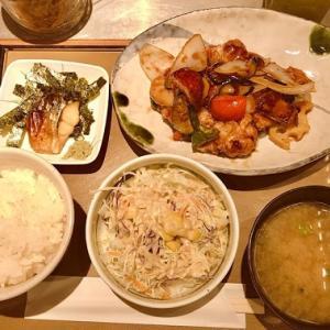 【やよい軒】ランチ♪やよい軒の彩野菜と鶏の黒酢あん定食がめちゃ美味しかった♪
