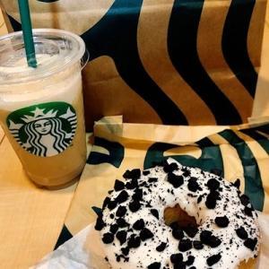 コールドブリュー コーヒー フラペチーノ®とクッキー&クリームドーナツ