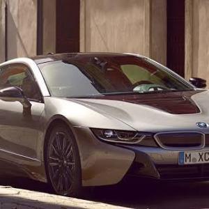 「BMW」の電気自動車? ずんぐりしている方は群馬でもたまに見かけるが…