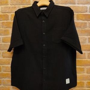 ダブルガーゼルーズフィットレギュラーカラーシャツ(BK)