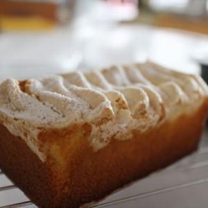 レモンのマカロンケイク Mtaferのケーキドロワで初焼きの巻