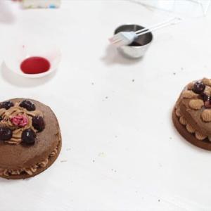 チェリーとチョコレートのケーキのレッスン