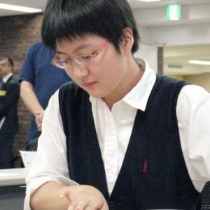 【朗報】女流棋士さん、芋っぽい見た目から垢抜けて美少女に変貌