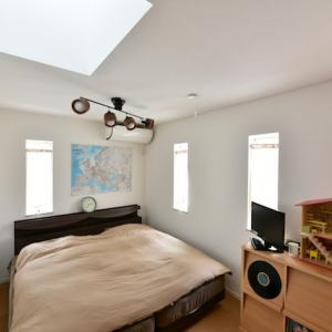 コロナだから6年目にしてやっと寝室の模様替え