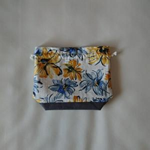 水彩画っぽい花柄の巾着