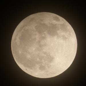 【絶賛体調不良中】まあとりあえず満月でもご覧ください。
