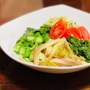 冷やし中華ではなく野菜蕎麦がマイブーム