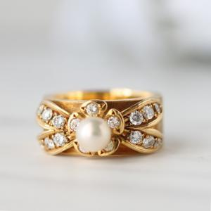 小さな真珠のリング
