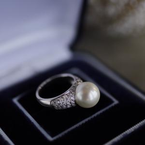 南洋真珠のダイヤパヴェリング、お正月のお着物にも似合います。