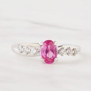恋愛運アップの宝石ピンクサファイアは出会いと良縁を運んでくれます。