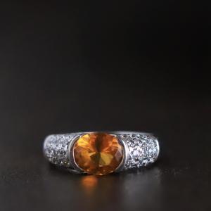 富と繁栄をもたらす幸運の宝石シトリンのリング。