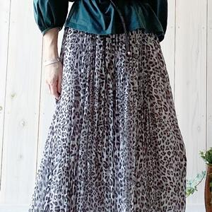 柄物スカートの着こなし方!46歳女性はこう着るのがオススメ