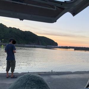 8月16日 日本海 お盆後半は波友とルアーで釣り&小波サーフィン!