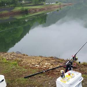 ニジマス釣り。