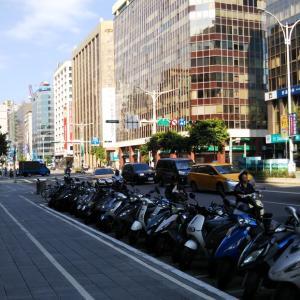 あえて「ベタなスポット」を見て回り、現地の人と路線バスに乗った台北市内散策