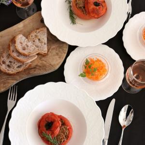 お料理が映える白い食器でランチタイム。