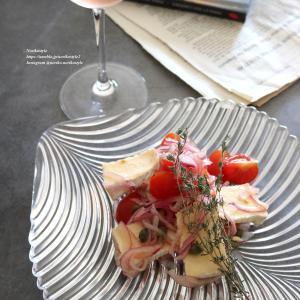カマンベールチーズとトマトのマリネ