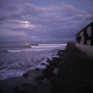 コールドムーンと海
