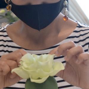 可憐な花弁トピアリーアレンジ〜♫