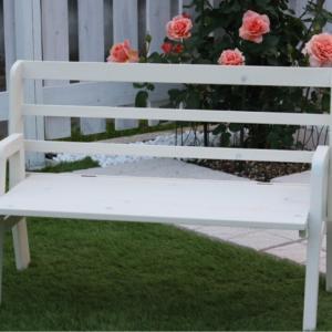 ☆ 可愛いベンチがやって来た ☆