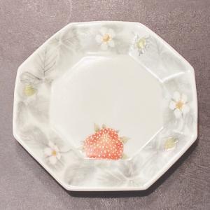 釉描色絵付け八角ケーキ皿