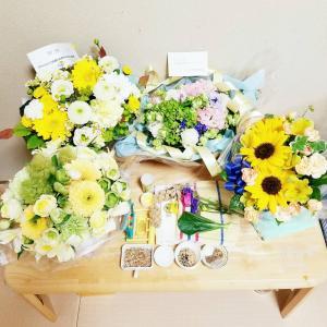 可愛いお花に囲まれて。