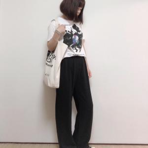 モノトーンでまとめた大人のTシャツコーデ&【coca】全品送料無料でポチ!