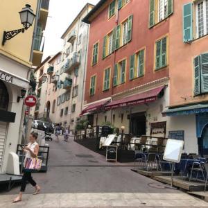 フランス旅行2019その7、ニースの旧市街と郷土料理