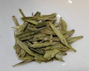 今年の龍井茶