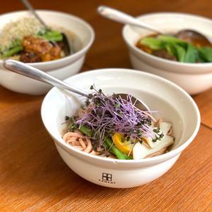 おしゃれなビジュアル系カフェで台湾の麺や牛肉麺 貳房苑