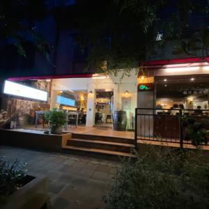 台北で日本風洋食のロイヤルホストで感涙する