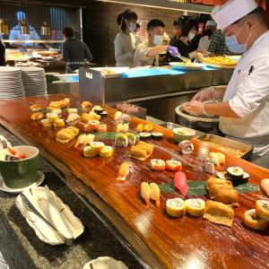VIog作りました 欣葉日式料理とタコパーと爬虫類カフェ