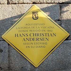 Hans Christian Andersen murió (1875) アンデルセン歿 Vivía en Madrid / salto del pastor CANARIO カナリア諸島のジャンプ降り / スペインの洞窟芸術はネアンデルタール人作 Los neandertales / tauroguía 闘牛観戦案内 esta semana