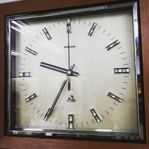 掛け時計修理と、割れたガラスを交換(^_^)v