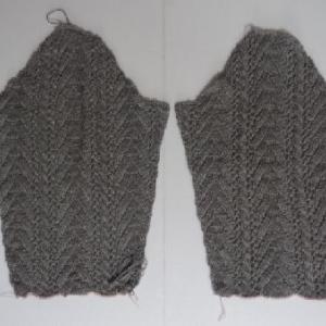 グレーのセーター 4
