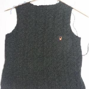 ダークグリーンのセーター2
