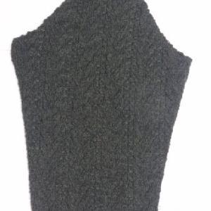 ダークグリーンのセーター4