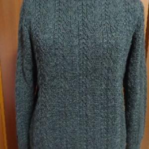 ダークグリーンのセーター完成