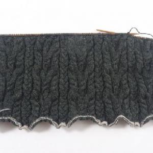 ケーブル模様のセーター2