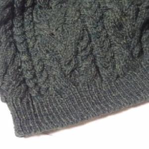 ケーブル模様のセーター5