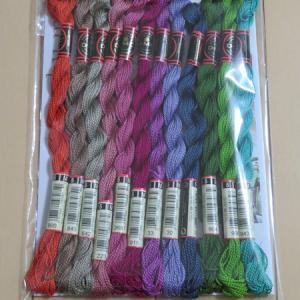今月の 144色の刺しゅう糸 【3回目】